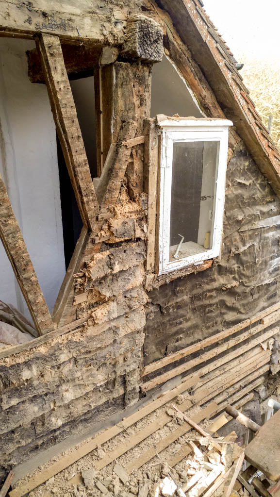 Tenterden Roofing - Kingsgate Cottage - Exposed Timbers